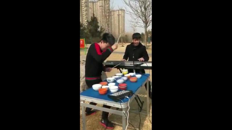 林 志行 - 【中国】流れてきた TL。すごいなぁ。14億人居るから。才能豊かな素人さんも。かなり居たりする。