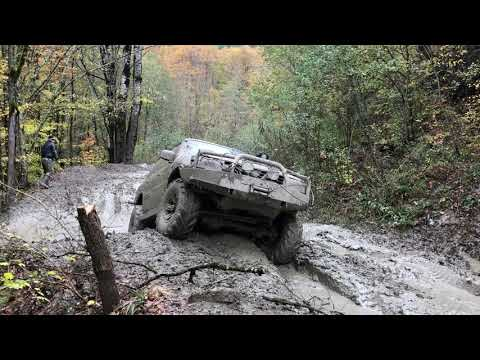 Джипы и грязь, горы, лес. Off Road