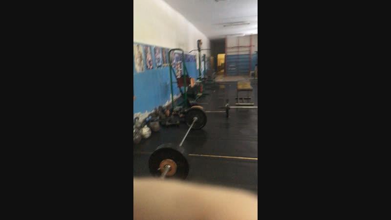 Live Упражнение Ахиллеса 6 серий 6x120 становая тяга 6x60 толчок штанги 6x16 прыжок на поверхность 60см Результат 35 с чем