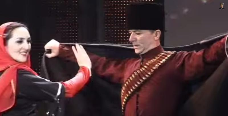 Ансамбль Вайнах. Танец - Изгнанник Дикалу и Мадина Музакаевы