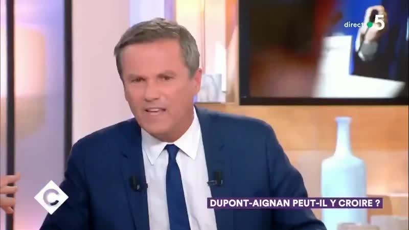 Dupont Aignan descend Patrick Cohen - M. Cohen est connu, cest un Macroniste, il passe sa vie à cirer les pompes de Macron.
