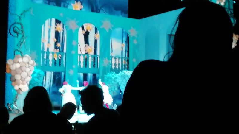Московский театр Мьюзикла (экс.кинотеатр Россия), на спектакле Всё о Золушке Поклон артистов