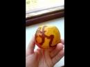 Необъяснимое явление с яблоком