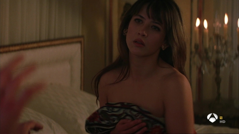 05 El mundo nunca es suficiente (1999) The World Is Not Enough Sophie Marceau Denise Richards sexy escene.ts.ts