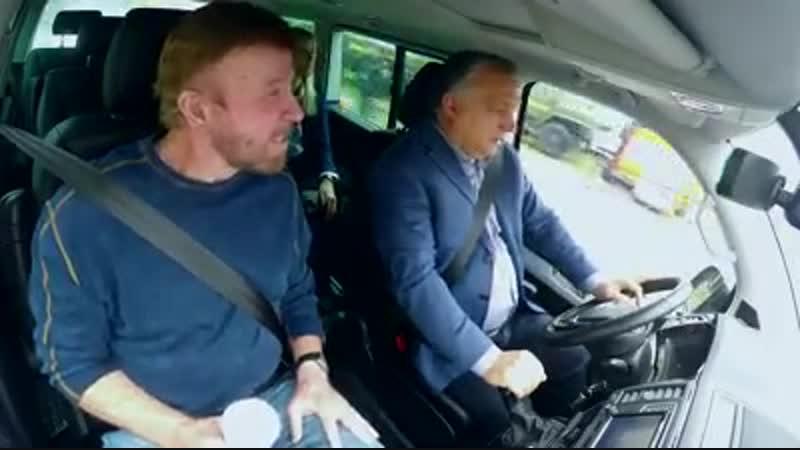 Ob Chuck Norris wohl auch die Merkel besuchen wollen würde? 😂