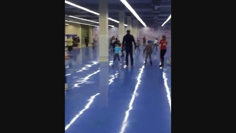 Покатушки на роликах в выходные на Роллердроме в Маяк Молле