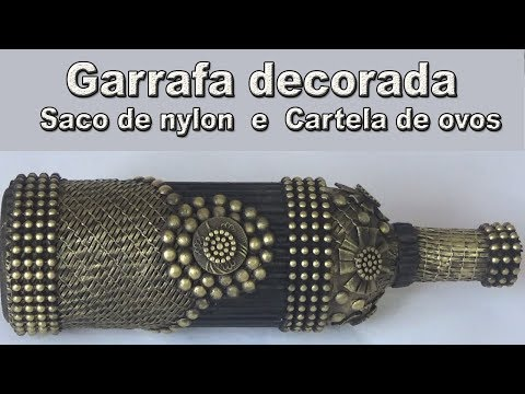 GARRAFA RECICLADA COM SACO DE FEIRA, CARTELA DE OVOS