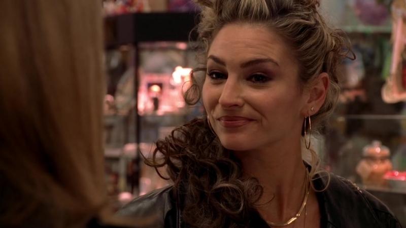 (Клан Сопрано S04E07_06) Адриана ищет способ не стучать на Крисси, но ФБР наплевать