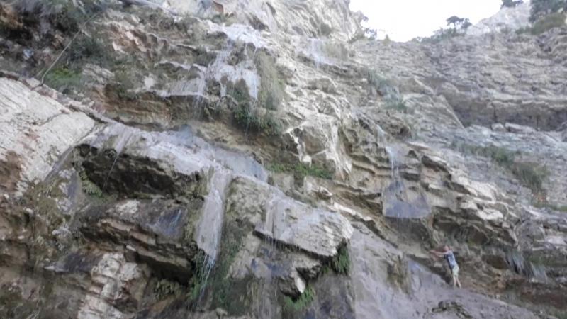 100 метровый водопад на горе Ай-Петри