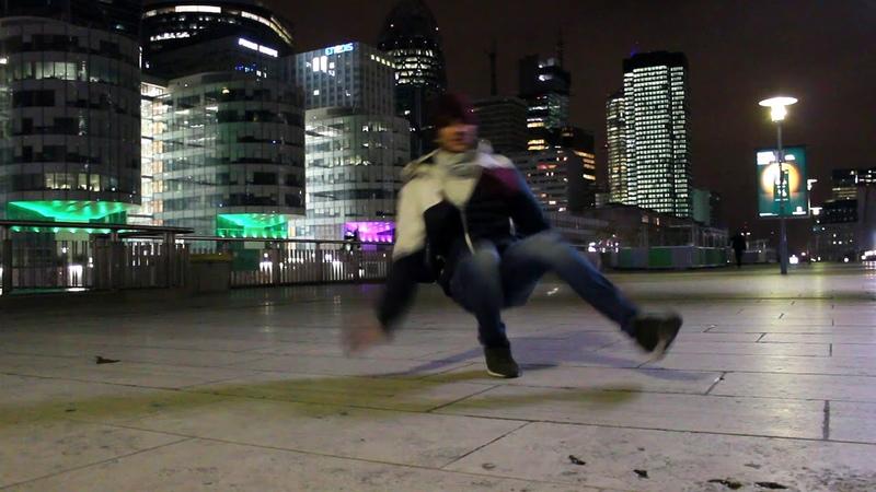 Delvis Romis - Break walking in Paris