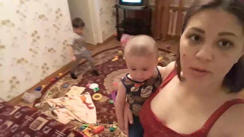 наша большая семейка) кругом бардак и хаос)