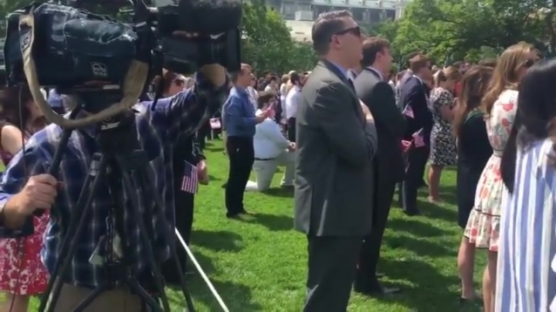 Man kneels during national anthem at White House