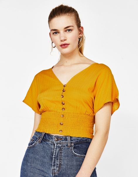Блуза с широкими рукавами