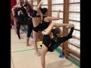 Китайские гимнастки на тренировке.
