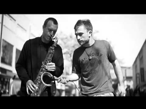 Dub FX 'Flow' feat Mr Woodnote