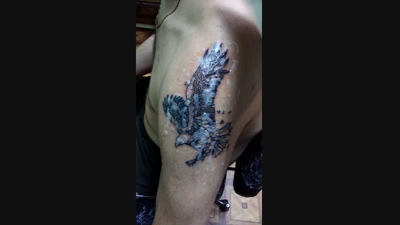 Перекрытие старой татуировки