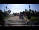 Водитель Nissan не выдержал и 10 секунд. Почему нельзя пересекать железную дорогу, если красный сигнал еще не погас