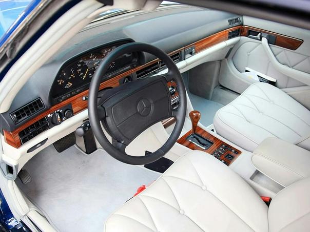 Очень редкие : Mercedes-Benz 380 SEL Caruna 1984 Транспорт королевских семей занимает в автомобильной культуре особое место. К ним можно отнести не только черные лимузины, но и электрический