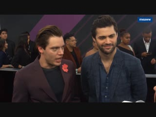 MEAWW: Dominic Sherwood and Matthew Daddario tease MALEC future and lie about Clarys fate