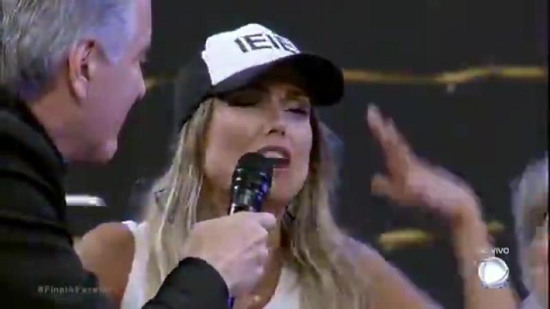 Vocês me fizeram a mulher mais feliz do mundo, afirma Flávia após vencer A Fazenda