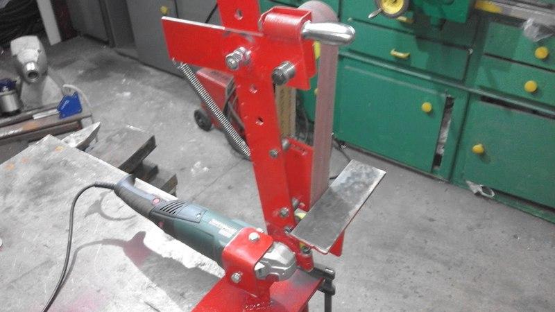 Homemade Belt Grinder from Angle Grinder Szlifierka taśmowa ze szlifierki kątowej 1200 W