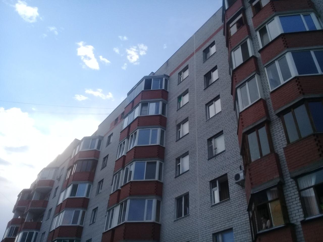 В Тюмени на Широтной 5-летний мальчик погиб, выпав из окна седьмого этажа