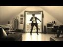 парень классно танцует свинг