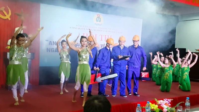 Giới thiệu và phần thi của Đội thi Trường Đại học Lâm nghiệp tại Hội nghị An toàn vệ sinh lao động n