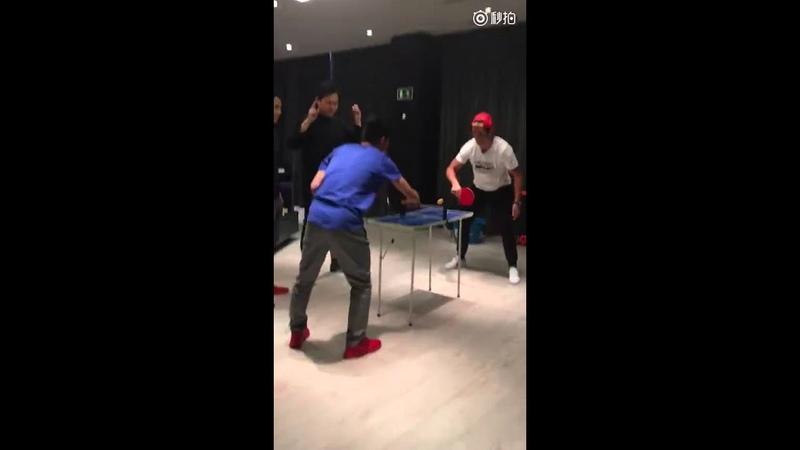 C罗 vs 恒大小将 这次是乒乓球! Cristiano Ronaldo played ping pong with chinese