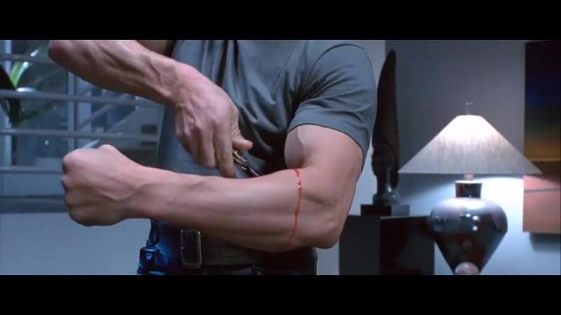 Смотри описание! Терминатор снимает кожу со своей руки. Фильм Терминатор 2_ Судный день. 1991 год