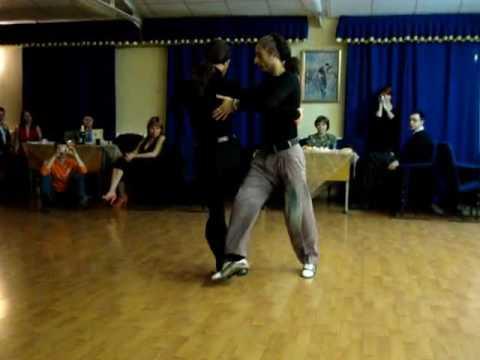 Серкан Гёкчесу и Осхан Араз в школе Провинция танго 2009