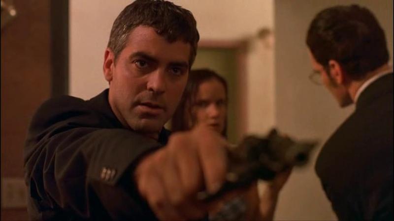 Сэт и Ричард берут в заложники Джейкоба и его семью