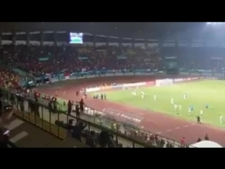 🇮🇩 ❤️🇵🇸 #Indonesian fans cheer for Palestine after the winning of Palestinian olympic football team over Indonesian team yesterd