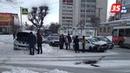 Машину вынесло на тротуар после столкновения в центре Череповца