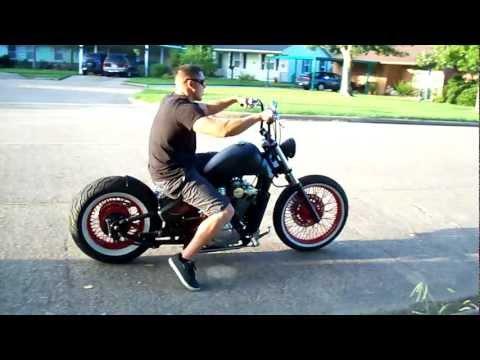 Houston Retro Bobbers traditional style bobber ride away