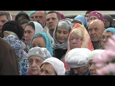 Митрополит Никодим совершил литургию в Покровском храме города Озерска