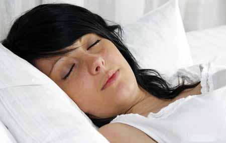 Постельный режим может помочь в боли в спине.