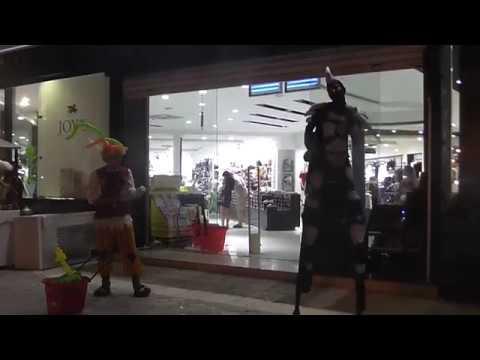 Аниматоры у торгового центра Joy's Тунис Хаммамет