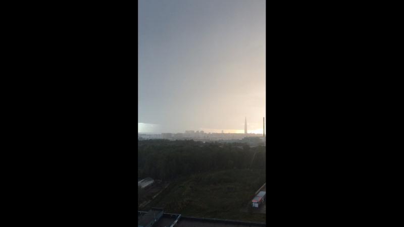Навис циклон и сильный дождь