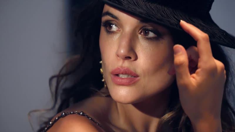 Adriana Ugarte protagoniza la portada de InStyle diciembre 2018