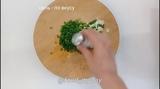 Блюда для перекуса Лепёшки с двумя видами сыра и зеленым луком