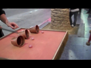 STREET MAGIC in HOLLYWOOD! Matthew Noahs Cups and Balls