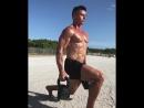 Тренировка ног на пляже