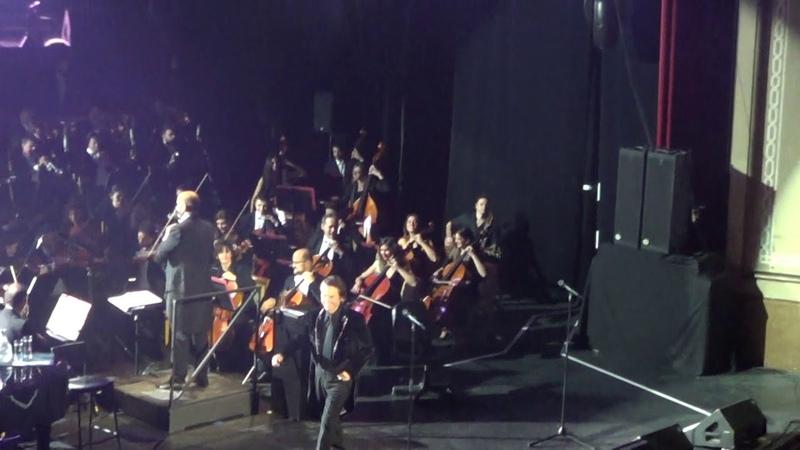 Raphael REsinphónico. La obertura y la aparición del maestro. Pre-estreno en Cádiz 10.12.2018