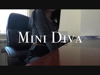 Mini diva - risky office masturbation (720p) [amateur, solo, teen, masturbation, fingering, public]