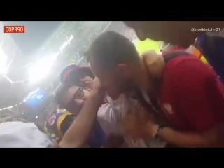 Колумбийские болельщики поддержали маленького фаната из Польши