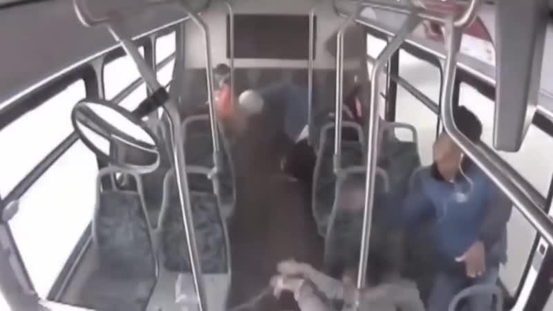 Влетел в автобус