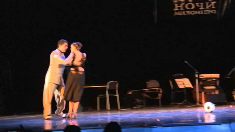 Sabrina y Ruben Veliz -3 (tango y futbol)
