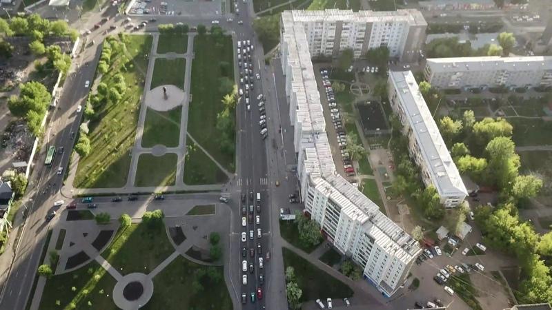 Копыловский мост и ул. Копылова с высоты. Красноярск.