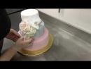 Украшаем свадебный торт в кондитерской отеля Введенский